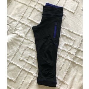 Lululemon - Black & Blue 3/4 Capri Leggings